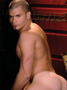 male muscle gay porn star Danny Lopez | hotmusclefucker.com