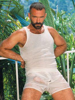 male muscle gay porn star Ray Dragon | hotmusclefucker.com