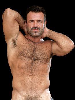 male muscle gay porn star Erik Korngold | hotmusclefucker.com
