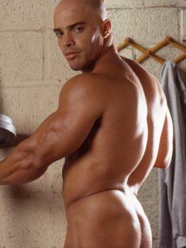 male muscle gay porn star Igor Sharif | hotmusclefucker.com