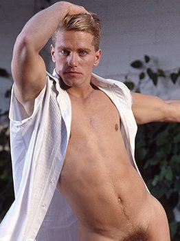 male muscle gay porn star Ralston Hale   hotmusclefucker.com