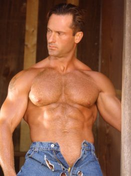 male muscle gay porn star Rick Belli | hotmusclefucker.com