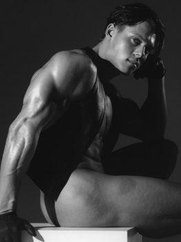 male muscle gay porn star Brad Deering | hotmusclefucker.com