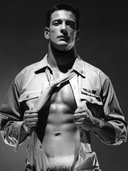 male muscle gay porn star Brad Hanna | hotmusclefucker.com